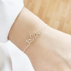 Bracelets 70