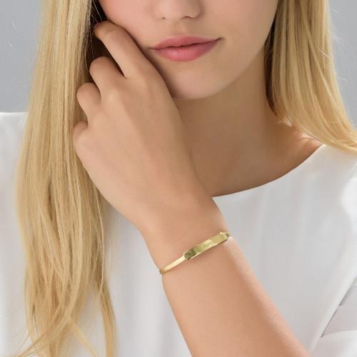 Bracelets 72
