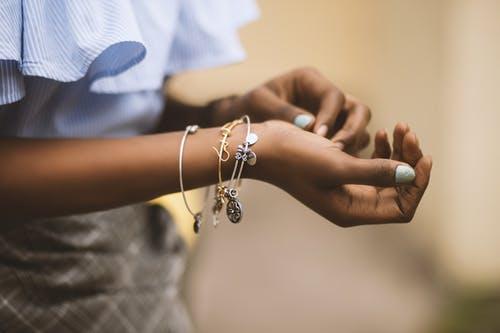 Bracelets 40